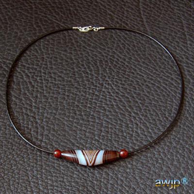 線珠 革紐のチョーカー 整理番号:TN-11 価格¥27,800.-